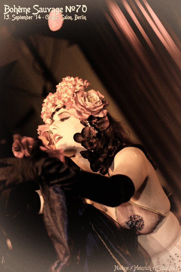 Lola de St Germain burlesque Berlin