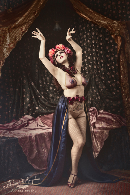 Lola de Saint Germain burlesque Berlin